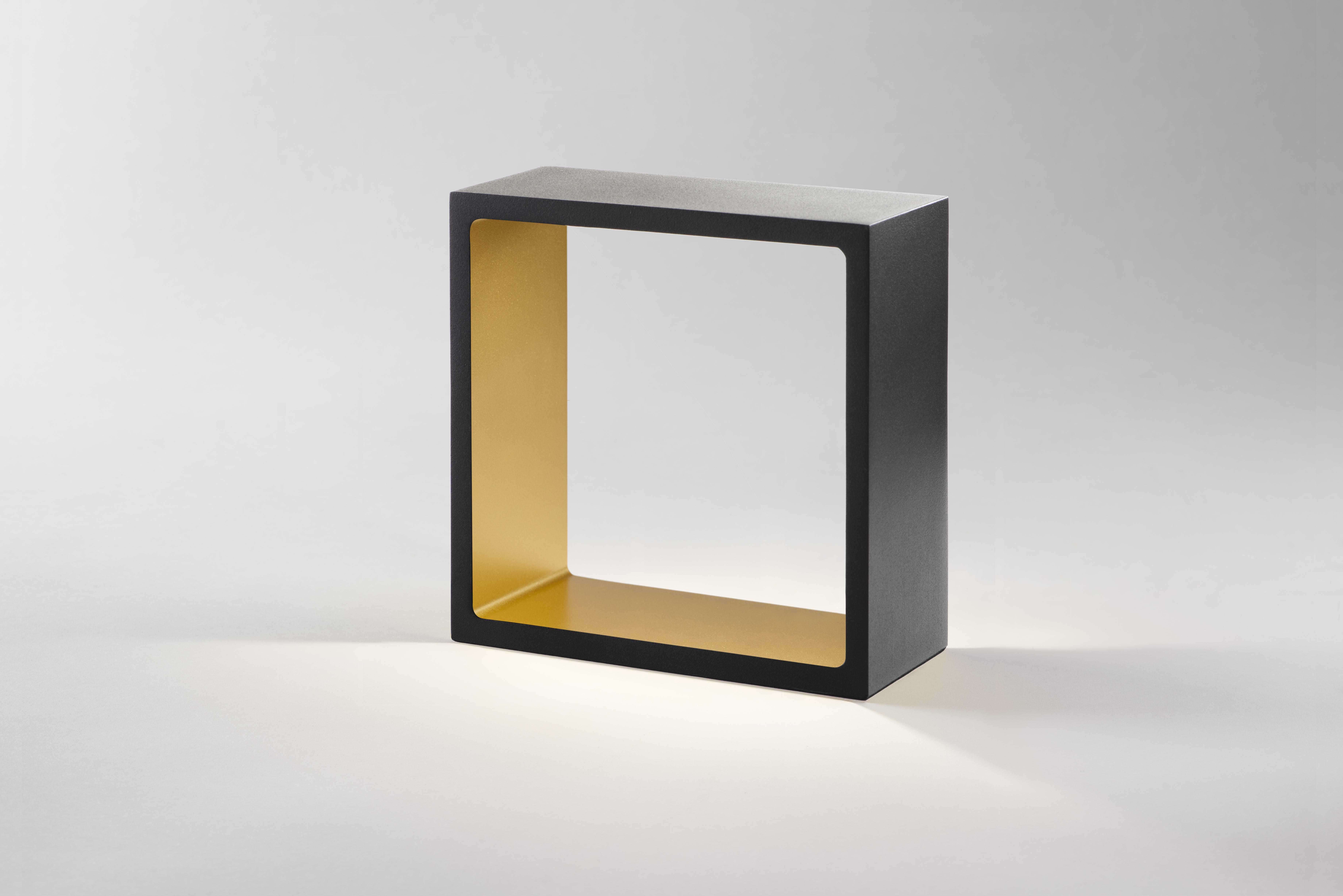 FUSION TOUCH BORDLAMPE SORT/GULD